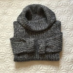 Sweaters - 🎈2/25🎈Chunky knit cowl neck sweater